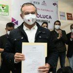 Recibe Raymundo Martínez Carbajal constancia de mayoría